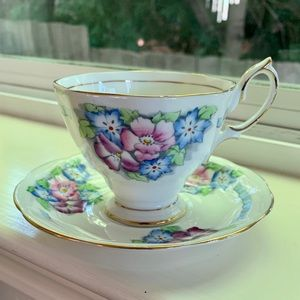 Sweet Antique Floral Teacup Royal Albert England